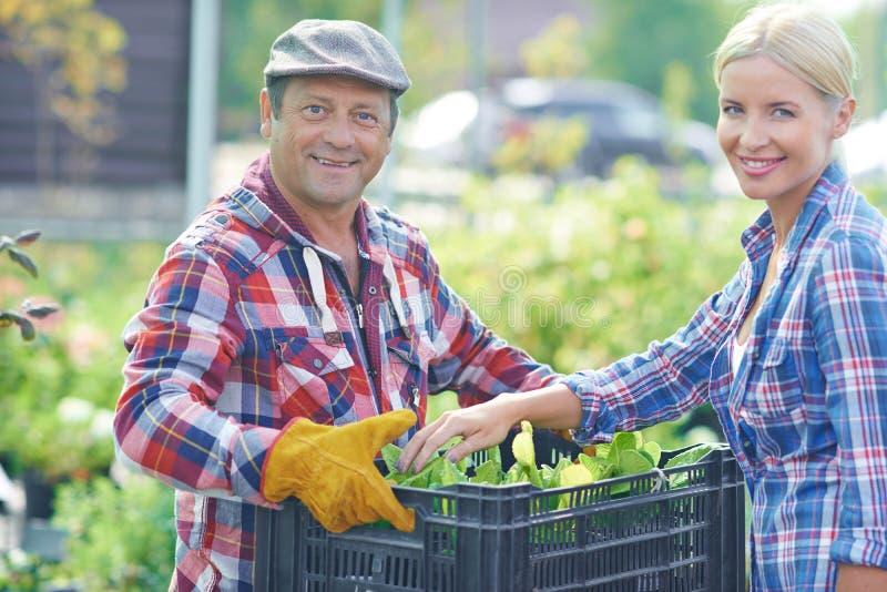 Gelukkige tuinlieden royalty-vrije stock fotografie