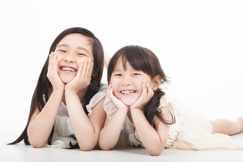 Gelukkige twee Aziatische meisjes royalty-vrije stock foto's