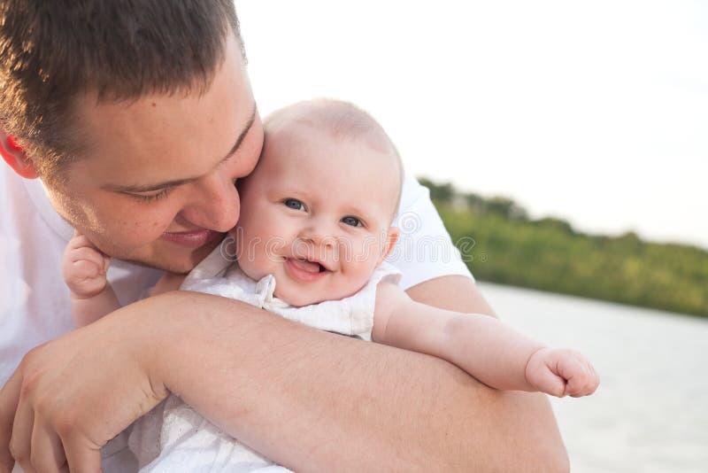 Gelukkige Vader en Baby royalty-vrije stock afbeelding