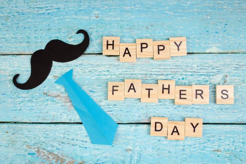 Gelukkige Vaderdag op houten achtergrond symbolen van liefde, vader, mens Gelukkige de dagachtergrond van Valentine ` s Exemplaar royalty-vrije stock afbeelding