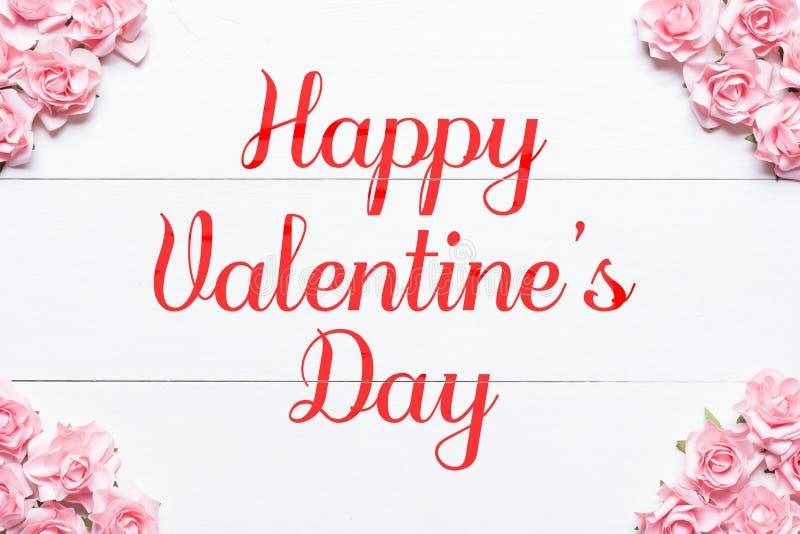 Gelukkige Valentine& x27; s dag de roze achtergrond van het rozenkader royalty-vrije stock fotografie