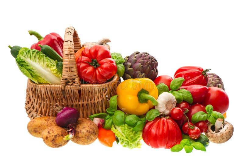 Gemüse. Einkaufskorb. gesunde Nahrung stockbild