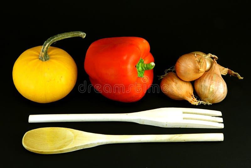 Gemüse und Geräte stockbilder