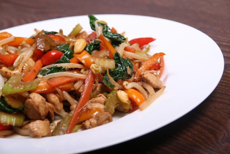 Gemüse und Huhnsauté stockfoto