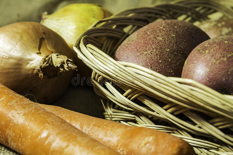 Gemüsebehälter lizenzfreie stockbilder