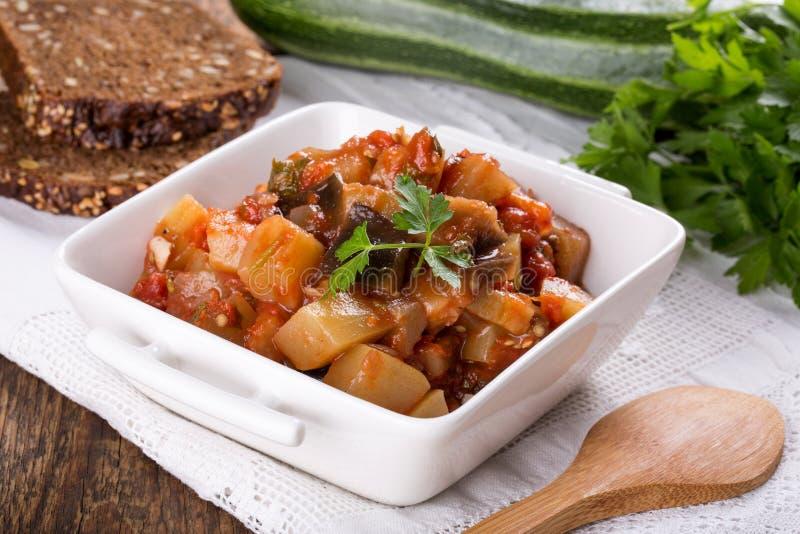 Gemüseeintopfgericht/Ragout stockfotografie