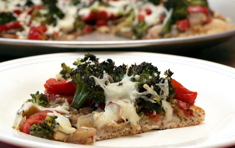 Gemüsepizza lizenzfreie stockfotos