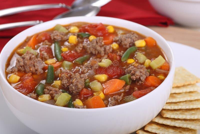 Gemüserindfleisch-Suppe stockfoto