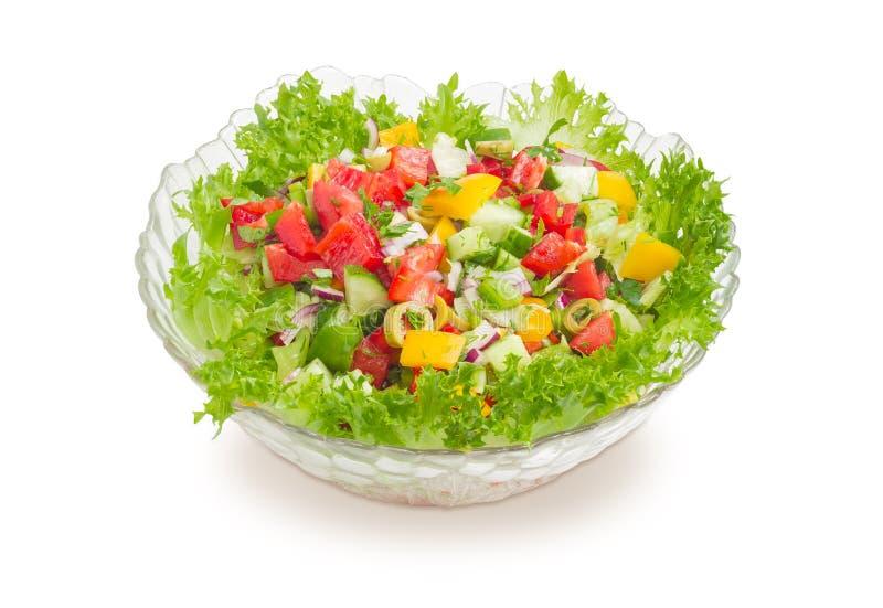 Gemüsesalat in der Glassalatschüssel stockfotos
