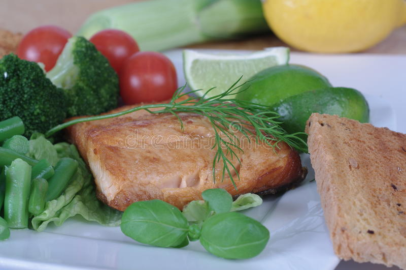 Gemüseteller lizenzfreie stockbilder
