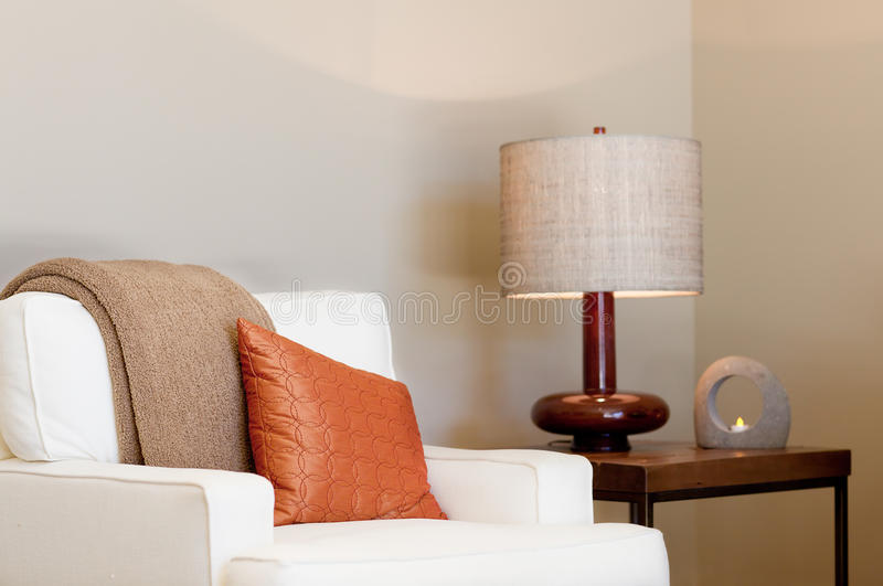 Gemütlicher Sitz lizenzfreie stockbilder