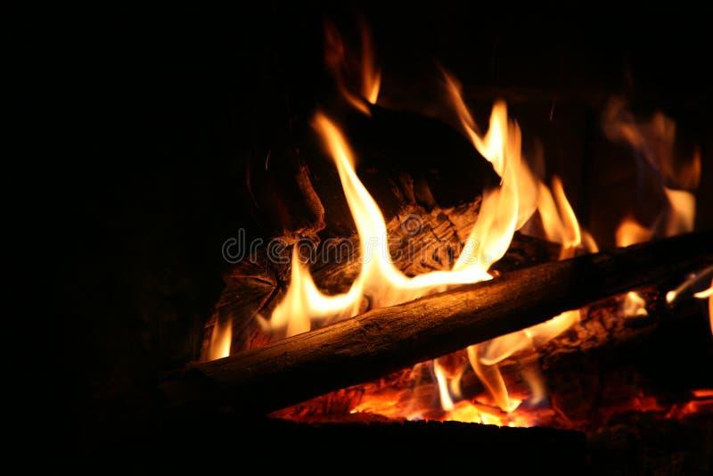Gemütliches Lagerfeuer stockfotos