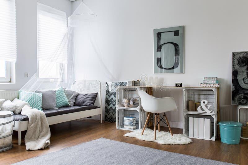 Gemütliches Schlafzimmer Perfekt Für Stilvollen Hippie Stockfoto ...