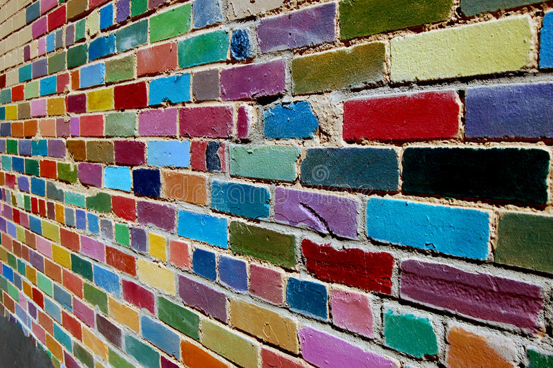 Gemalte Backsteinmauer lizenzfreies stockbild
