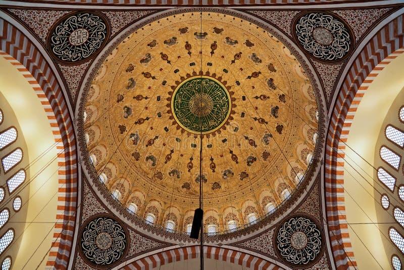 Gemalte Haube der Suleymaniye Moschee in Istanbul stockfoto