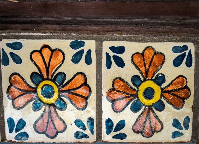 Gemaltes keramisches Fliese-Blaues und orange lizenzfreies stockbild