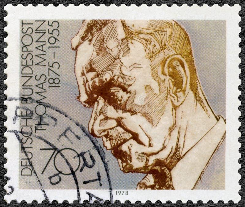 GEMANY - 1978: toont Paul Thomas Mann 1875-1955, dramaticus en romanschrijver, reeks Duitse winnaars van Nobel-Literatuurprijs royalty-vrije stock afbeeldingen