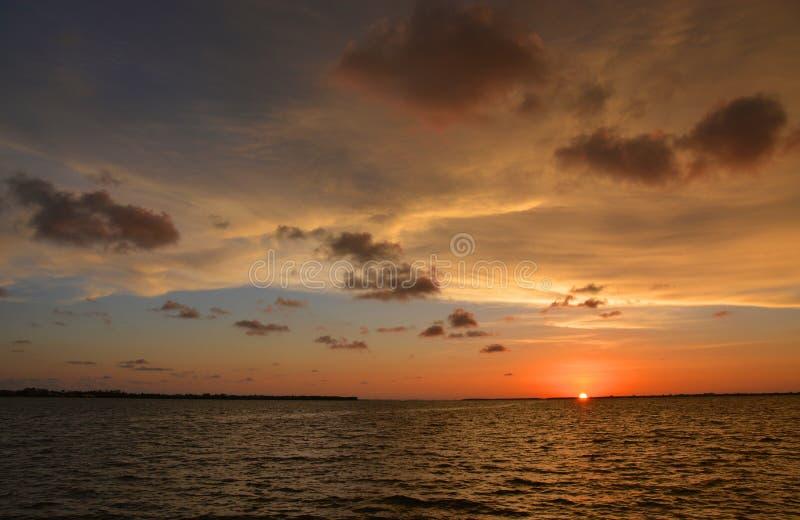 Gemarmorter Himmel bei Sonnenuntergang lizenzfreie stockfotos