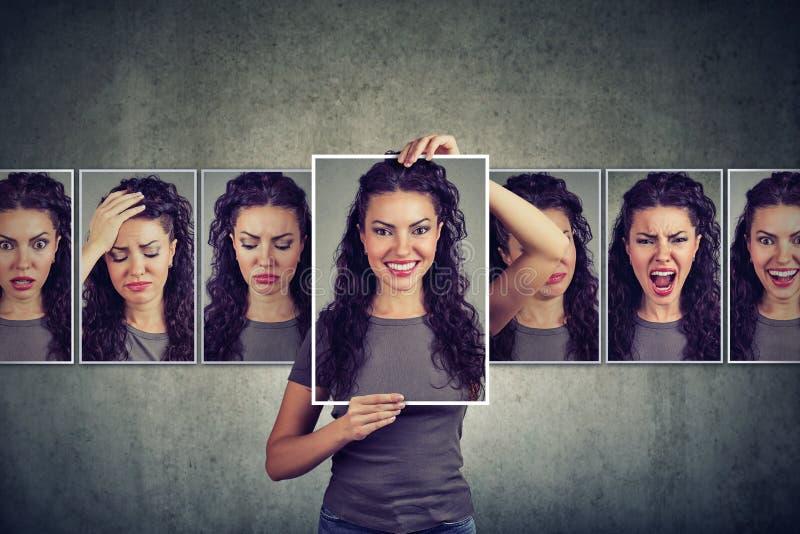 Gemaskeerde vrouw die verschillende emoties uitdrukken stock foto