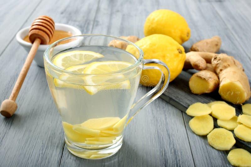 Gember en citroendrank stock afbeeldingen