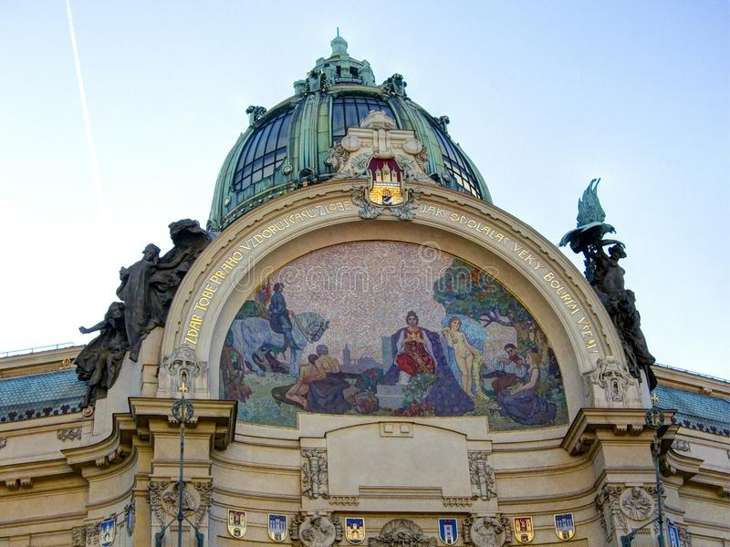 Gemeentelijk Huismozaïek, Praag stock afbeelding