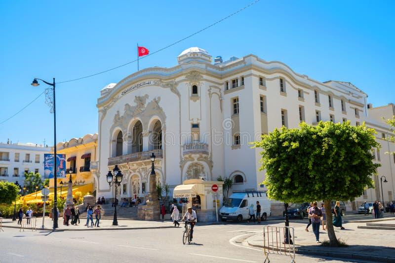 Gemeentelijk theater op weg Habib Bourguiba in Tunis van de binnenstad stock afbeelding