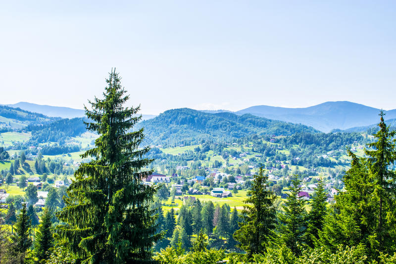 Gemeinde in den Bergen lizenzfreies stockfoto