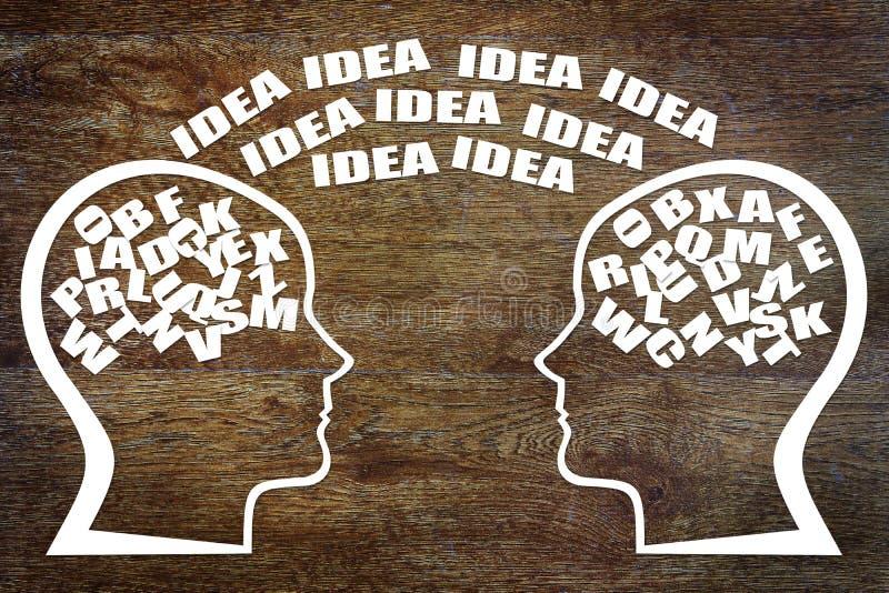 Gemeinsames Brainstorming Teamworking lizenzfreies stockfoto