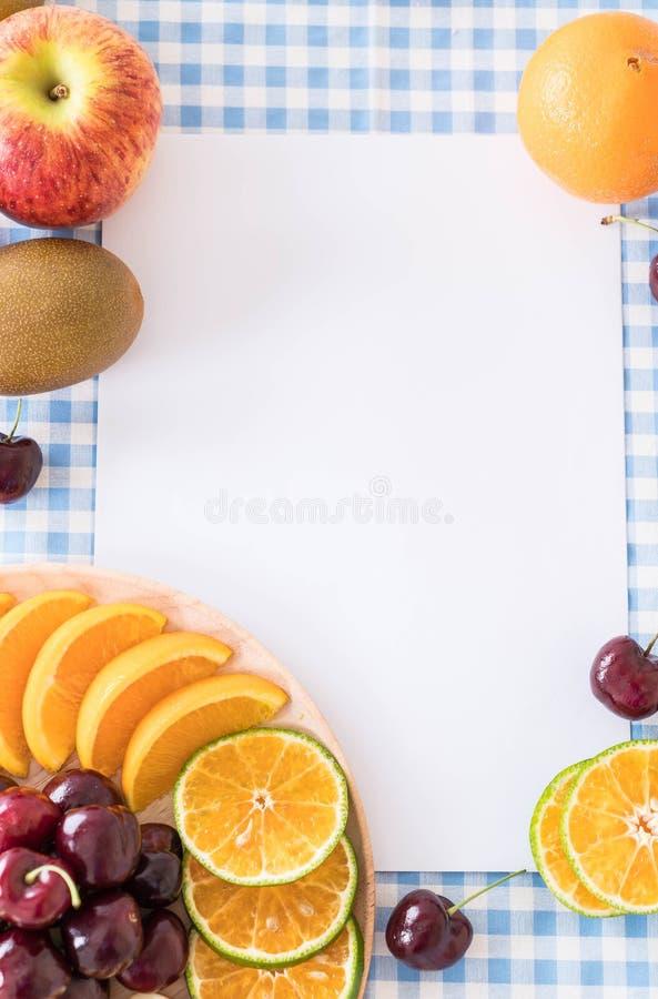 gemengd gesneden fruit stock afbeeldingen