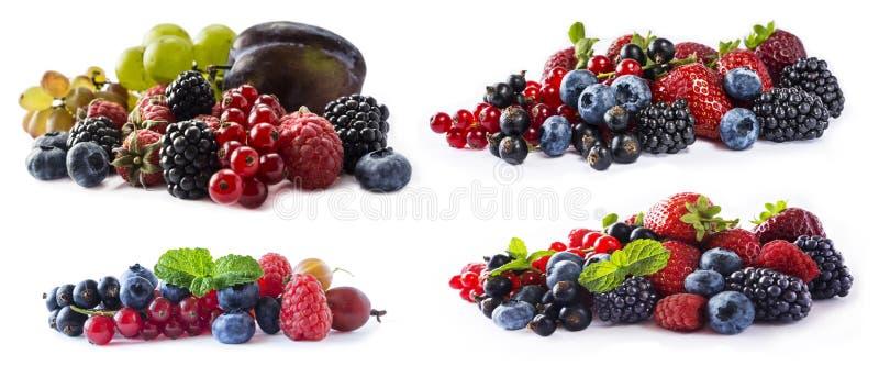 Gemengde bessen en vruchten met exemplaarruimte voor tekst De reeks verse vruchten en bessen isoleerde een witte achtergrond Rijp royalty-vrije stock afbeeldingen