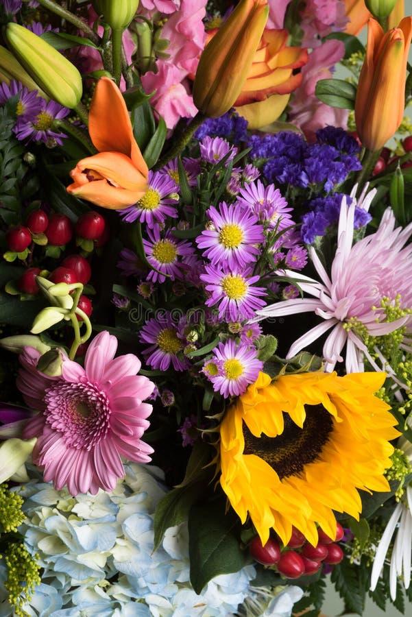 Gemengde bloemen royalty-vrije stock afbeeldingen