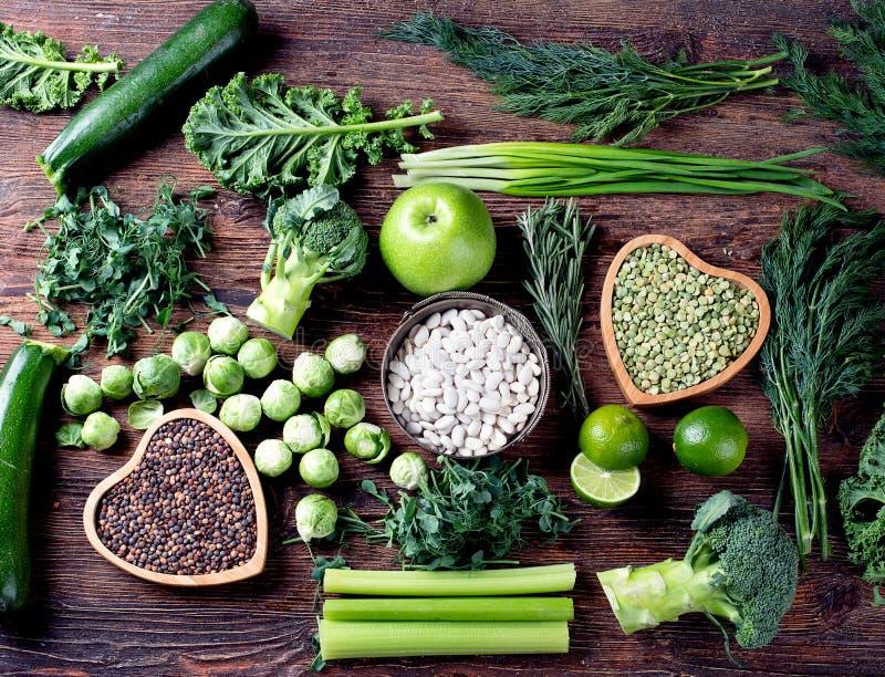 Gemengde groenten, peulvruchten stock foto's