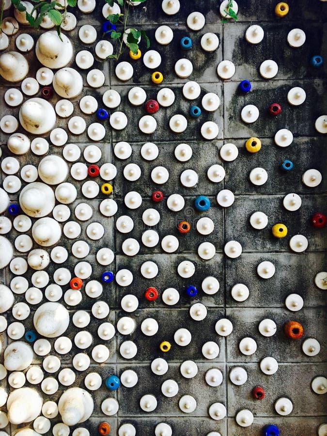 gemengde kleurrijke en het patroonmuur van de groottepunt stock fotografie