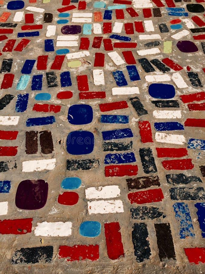 gemengde kleurrijke patroonbestrating stock fotografie