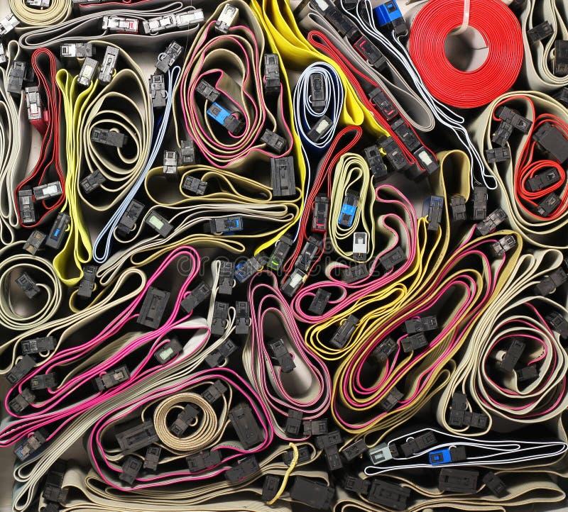 Gemengde kleurrijke winde-kabels als achtergrond stock afbeelding