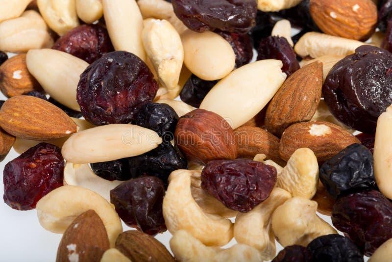 Gemengde noten en droge vruchten stock foto's