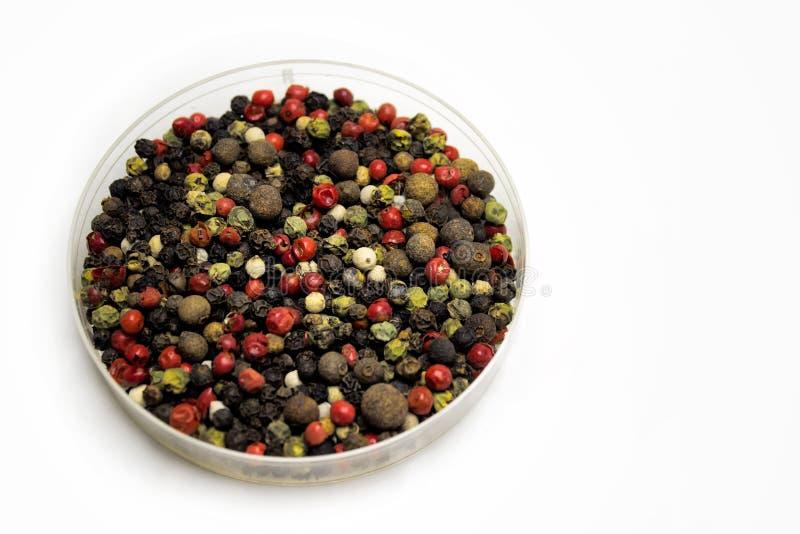 Gemengde peperbollen van diverse types stock afbeelding