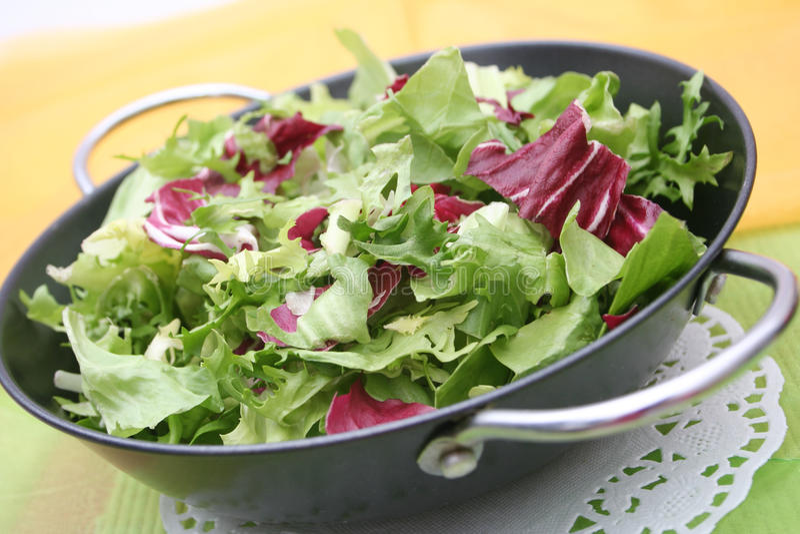 Gemengde salade stock foto's