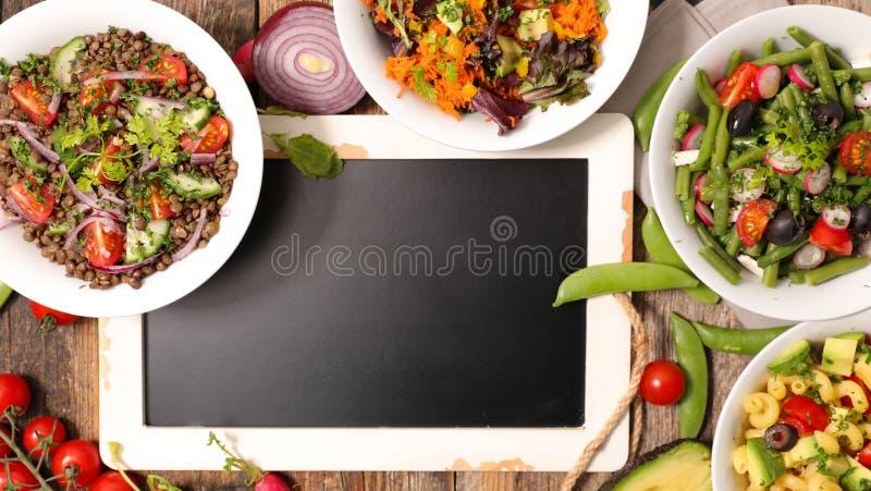 Gemengde Salade in Kom royalty-vrije stock afbeelding
