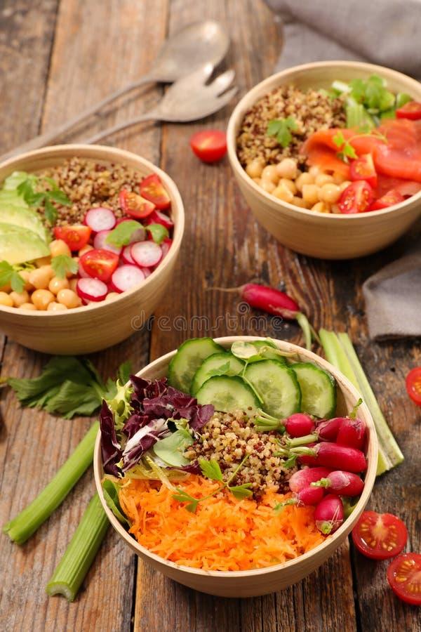 Gemengde vegetarische salade royalty-vrije stock fotografie