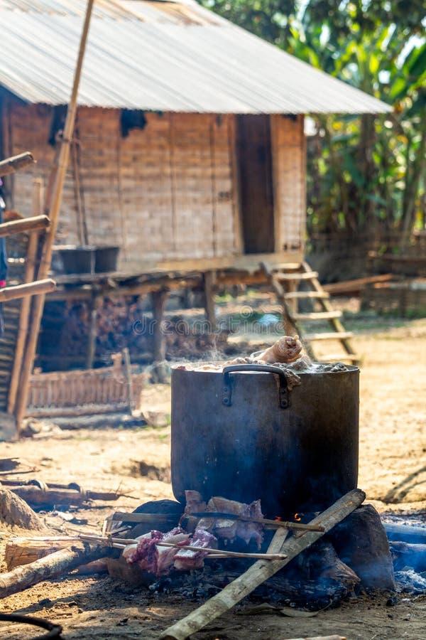 Gemenskapkrukalunch Laos fotografering för bildbyråer