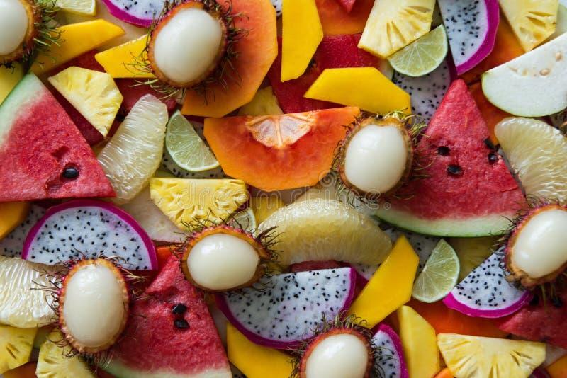 Gemischte Nahaufnahme der frischen Früchte stockfoto