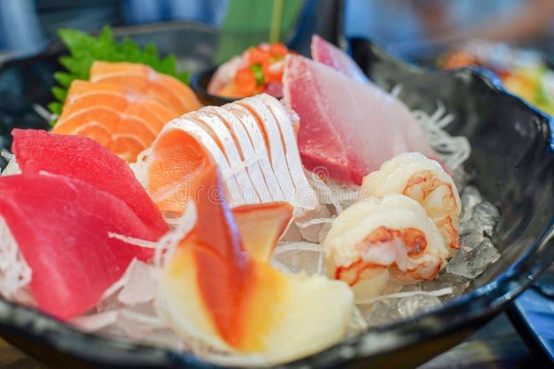 Gemischter Sashimi, große Sashimiplatte, Sashimisatz, roher Fisch, Japaner lizenzfreie stockfotos