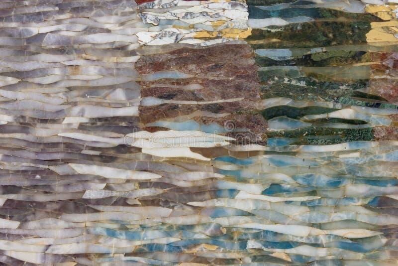Gemmes naturelles mélangées texture, fond de surface de pierre gemme photo stock