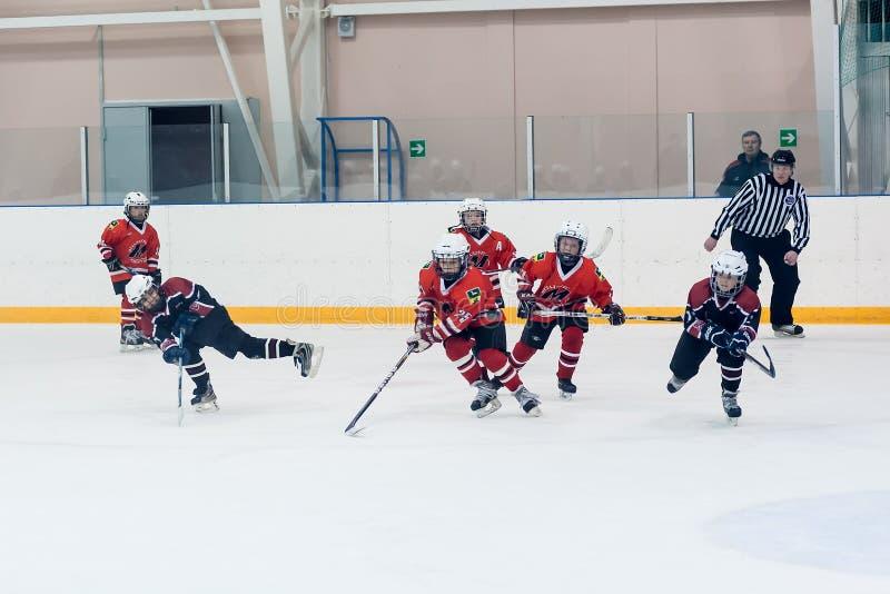 Gemowy moment dziecko hokeja drużyny zdjęcia royalty free