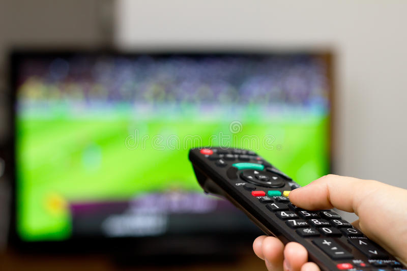 gemowy piłki nożnej tv dopatrywanie obrazy stock