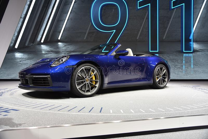 Genève, Suisse - 5 mars 2019 : La voiture de cabriolet de Porsche 911 Carrera 4s a présenté au quatre-vingt-dix-neuvième Salon de images stock