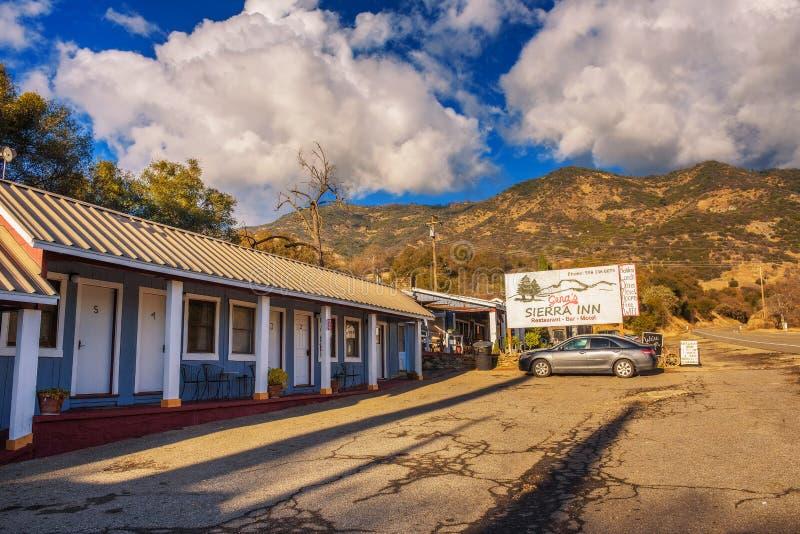 Gena ` s Siërra Herbergenmotel en restaurant dichtbij Sequoia Nationaal Park royalty-vrije stock foto's
