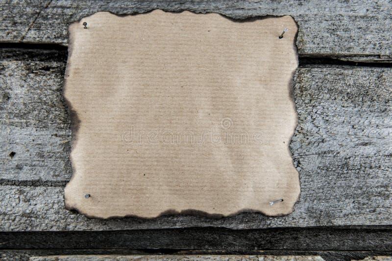 Genageltes Papier bereit zum Text stockfotografie