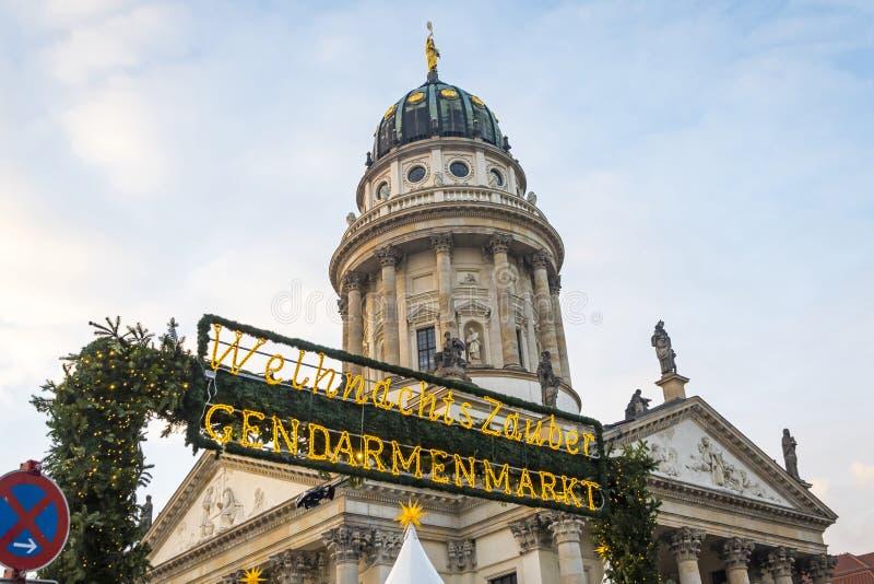 Gendarmenmarkt bożych narodzeń rynek w Berlin, Niemcy obrazy royalty free